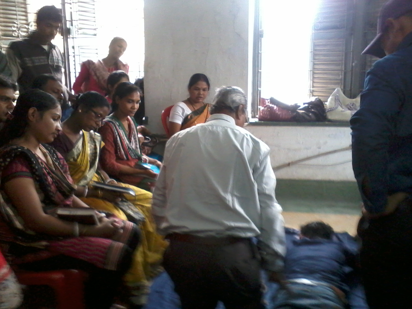Home palium skills professional training institute in kolkata here are pictures from our most recent training on first aid for 100 export oriented unit based out of kolkata the training was attended by 23 company xflitez Gallery